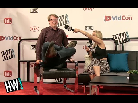 Coffee Table Pick Up Line.Hank Green Shares Best Pick Up Line Secret Talent Vidcon 2014