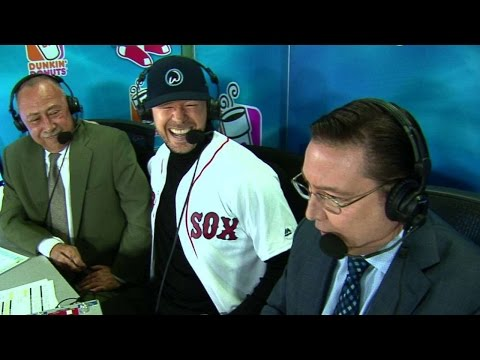 TB@BOS: Donnie Wahlberg joins the broadcast in 4th