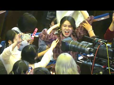 "САМАЯ ВЕЗУЧАЯ!!! 迪玛希  DIMASH  ДИМАШ ""Счастливица с пиджаком Димаша!!!""  Москва, ГКД 23.03.19"
