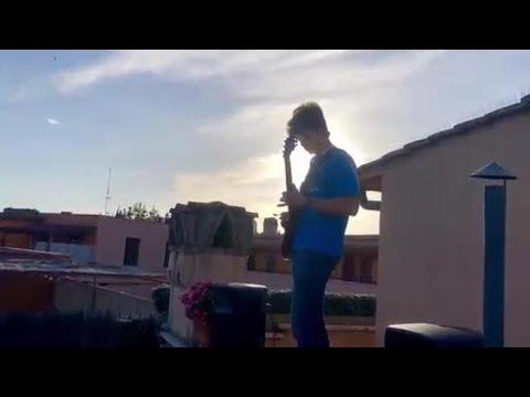 Maturità 2020, suona «Notte prima degli esami» dai tetti di Roma: folla in piazza Navona
