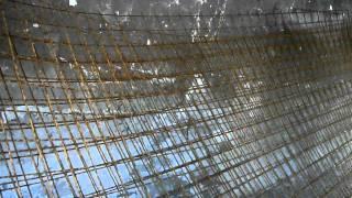 Projekt Taura: Viel Zement, Baustahlmatten, Eisenstangen, Zinkbleche (für Sichtschutz)