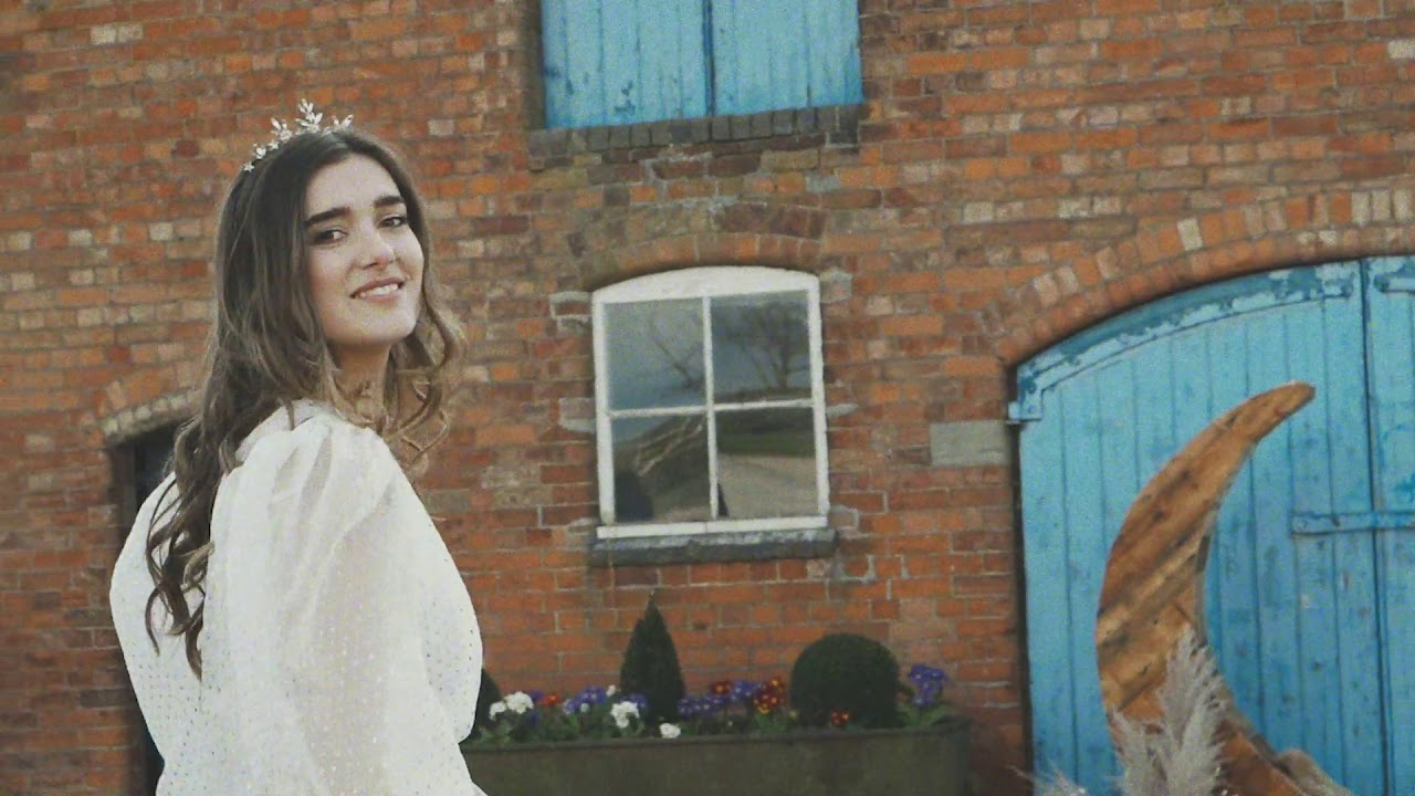 Wild Blue Yonder - The last styled wedding  shoot before UK Lockdown