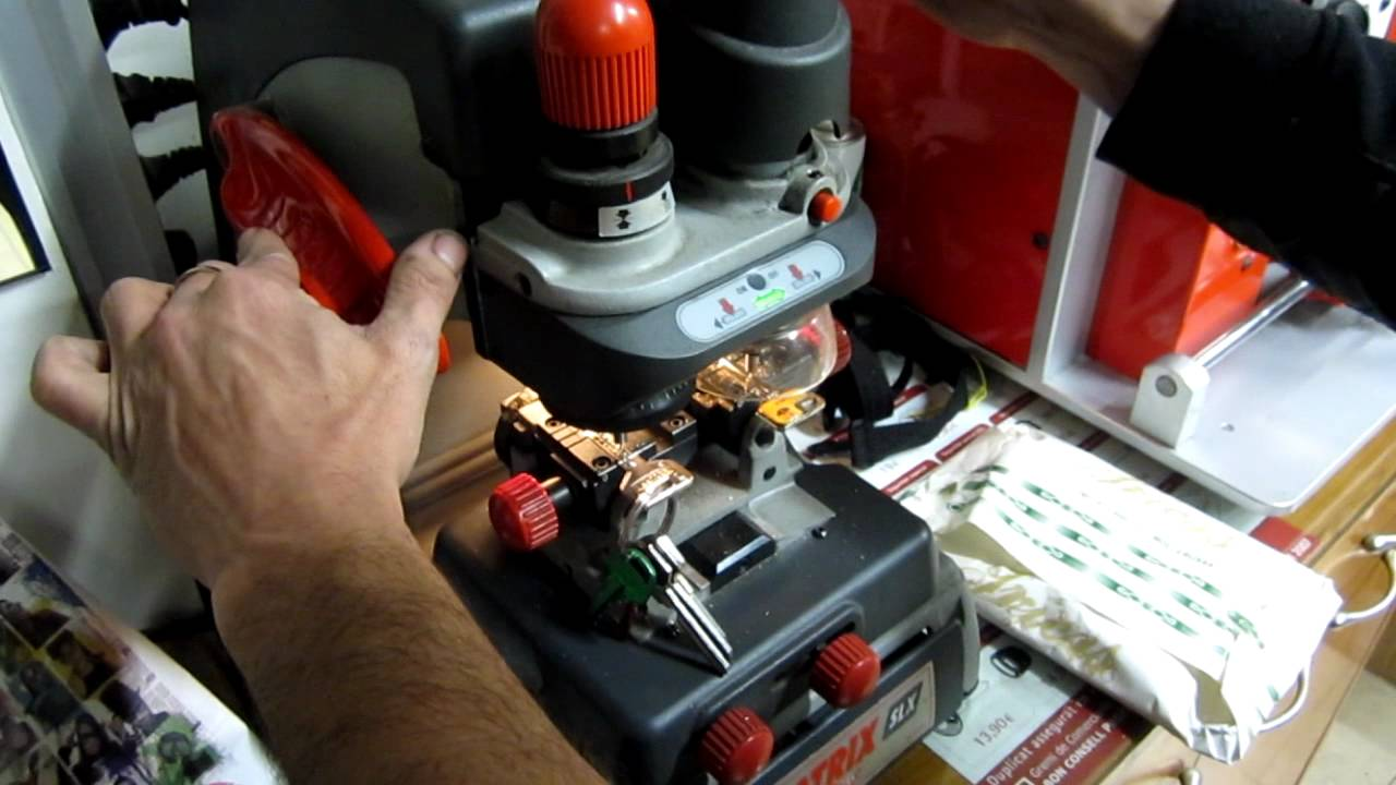 Farr sabaters copia llave seguridad youtube for Hacer copia llave coche