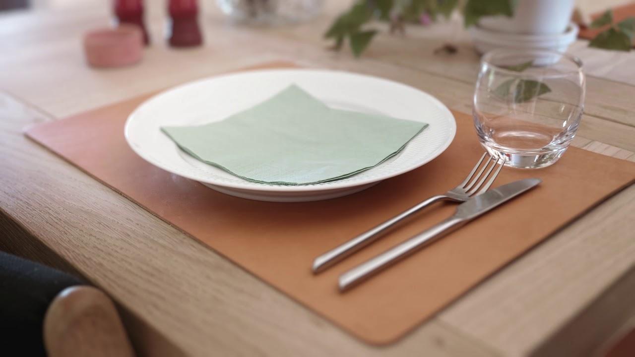 Svært Interiør, lærreimer, Glass- og bordbrikker i lær fra byRavn DZ-16