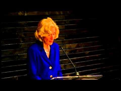 """Martha Nussbaum: """"Justicia y empoderamiento humano: capacidades para el desarrollo internacional"""""""