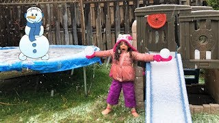Sally Play in the snow with Mommy at the Playground!! Kids fun video
