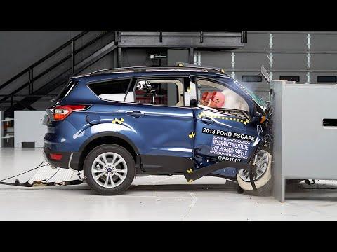 2018 Ford Escape passenger-side small overlap IIHS crash test