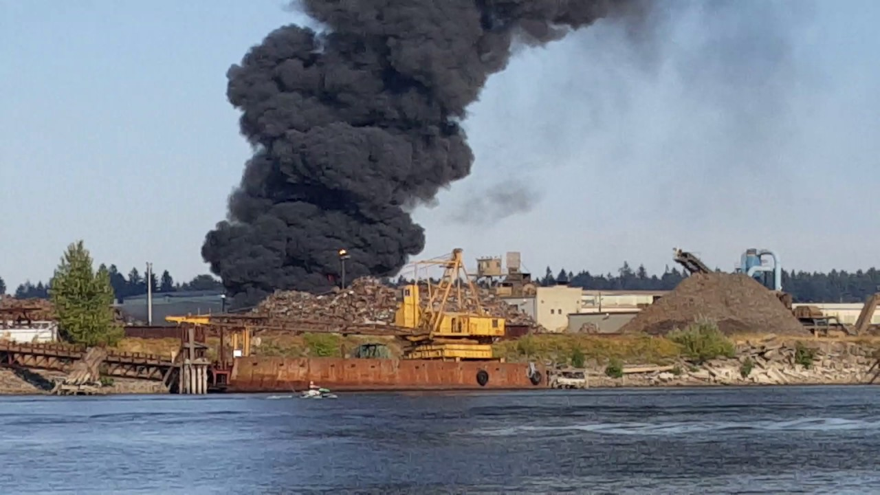 Schnitzer Steel Caught Fire Today YouTube - Schnitzer scrap yard