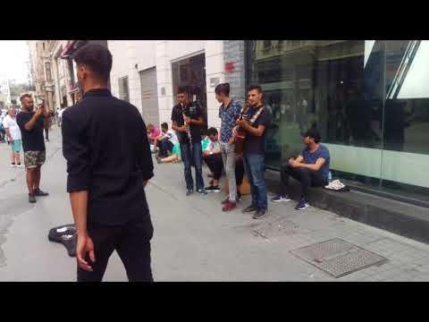 Sokak sanatçıları Taksim istiklal Cd.