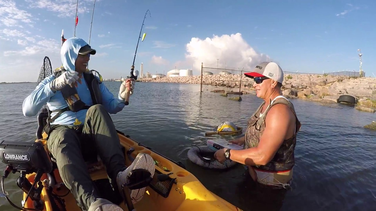 Trash fish kinda day fishing the texas city dike youtube for Texas city dike fishing