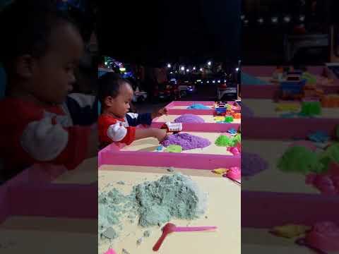 Main pasir mainan