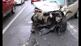 Массовое ДТП на скользком шоссе – разбились три машины