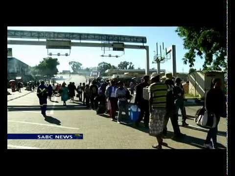 More than 400 travellers crossed the Maseru border to SA