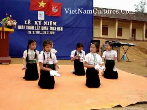 Baby dance mua hoa ban - Thai ethnic
