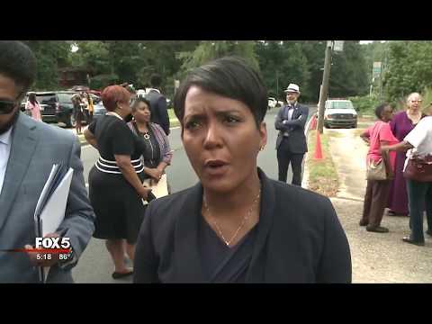Atlanta Mayor's 'Fight The Blight' Initiative Moves To Bolton Road