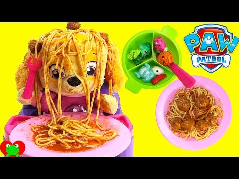 Paw Patrol Baby Skye Learns to Eat Spaghetti Head