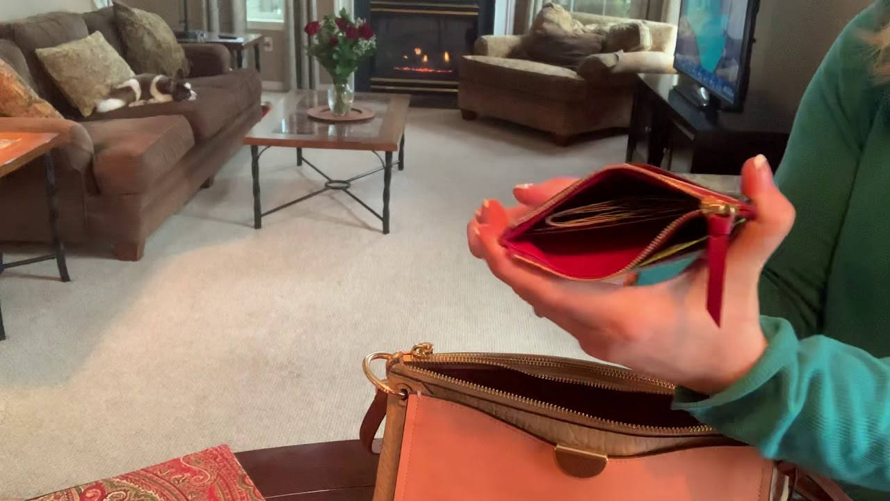 9aad0bd21ce4 WHAT FITS     in my Coach Dreamer Shoulder Bag - YouTube