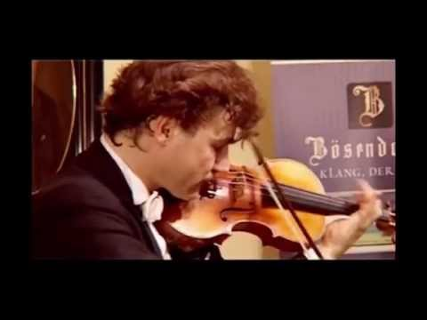 Manrico Padovani - Paganini's -ORIGINAL BOW - Capriccio n. 5  in a minor live in Vienna - 4 of 11
