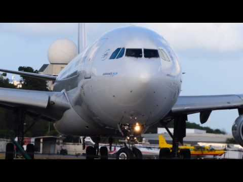 Air France A340 takeoff St Maarten - up close & personal