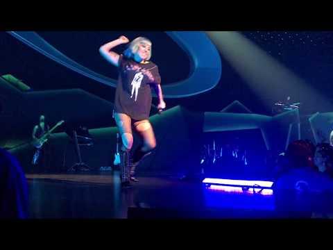 Lady Gaga - Shallow + New Year's Countdown (ENIGMA Night 3)