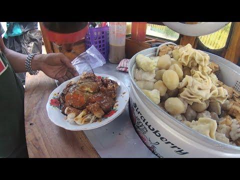 Indonesia Palembang Street Food 3646 Siomay Depan SMK Muhammadiyah 1YDXJ0786