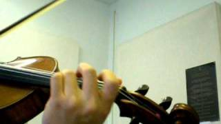Suzuki violin volume 1 number 14 Minuet 2 by J.S. Bach.AVI