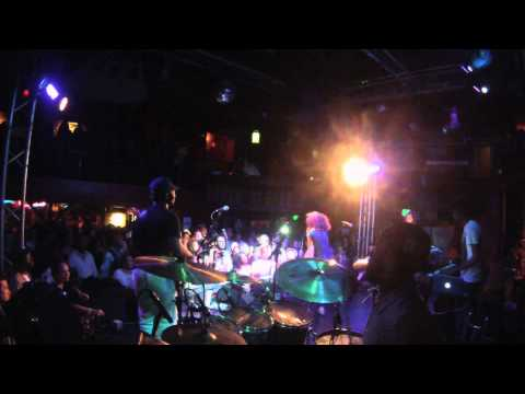 """""""Soul Is Heavy"""" Nneka Live @ Troubadour LA w/Dwayne """"Deo"""" Bradford on drums"""