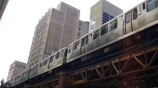 """シカゴ高架鉄道""""L"""" Chicago transit Authority CTA """"L"""" train running n..."""