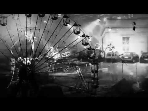 Delorentos - Everybody Else Gets Wet (Lyric Video)