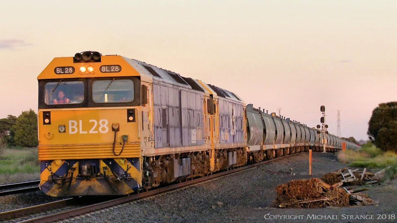 Grain Train With Wgsy Wgby Hoppers Bl Class Locomotives Poathtv Australian Railways Youtube