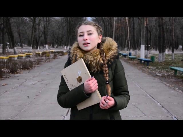 Изображение предпросмотра прочтения – ШапошниковаСофия читает произведение «Ворона и Лисица» И.А.Крылова