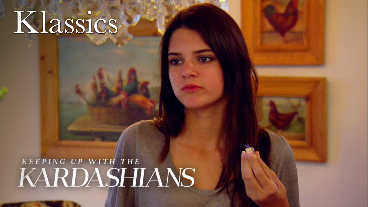 Kendall & Kylie Get Ready for the Mall | KUWTK Klassics | E!