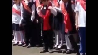 Обложка Мальчик танцует