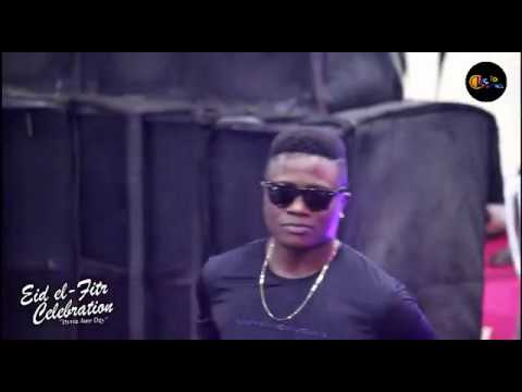 Eid El Fitri celebration: Klever Jay Performs live in Magboro (Extract)