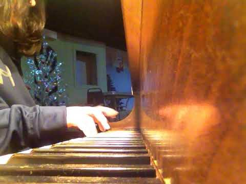 LIVE PIANO PERFORMANCE AT HERITAGE CAFE