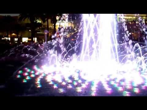 Wynn  Water Fountain Show Las Vegas Strip Frank Sinatra