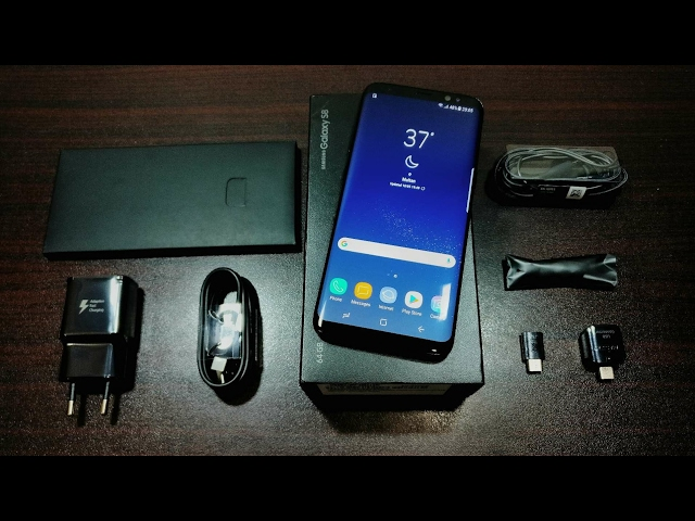 Samsung Galaxy S8 Unboxing and first impressions! That display......!