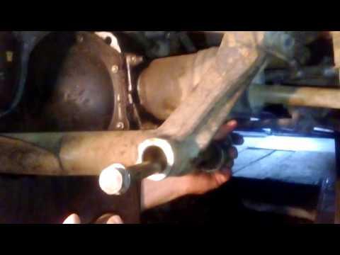 Как менять втулки на передней балки нивы