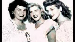 Andrew Sisters - She Wore A Yellow Ribbon - 1949