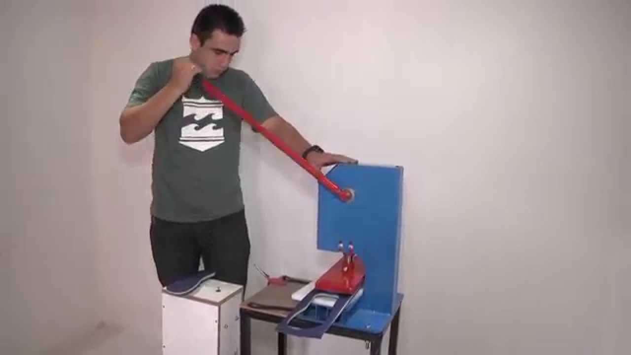 ed071934d Maquina de chinelo manual corta em único movimento - YouTube