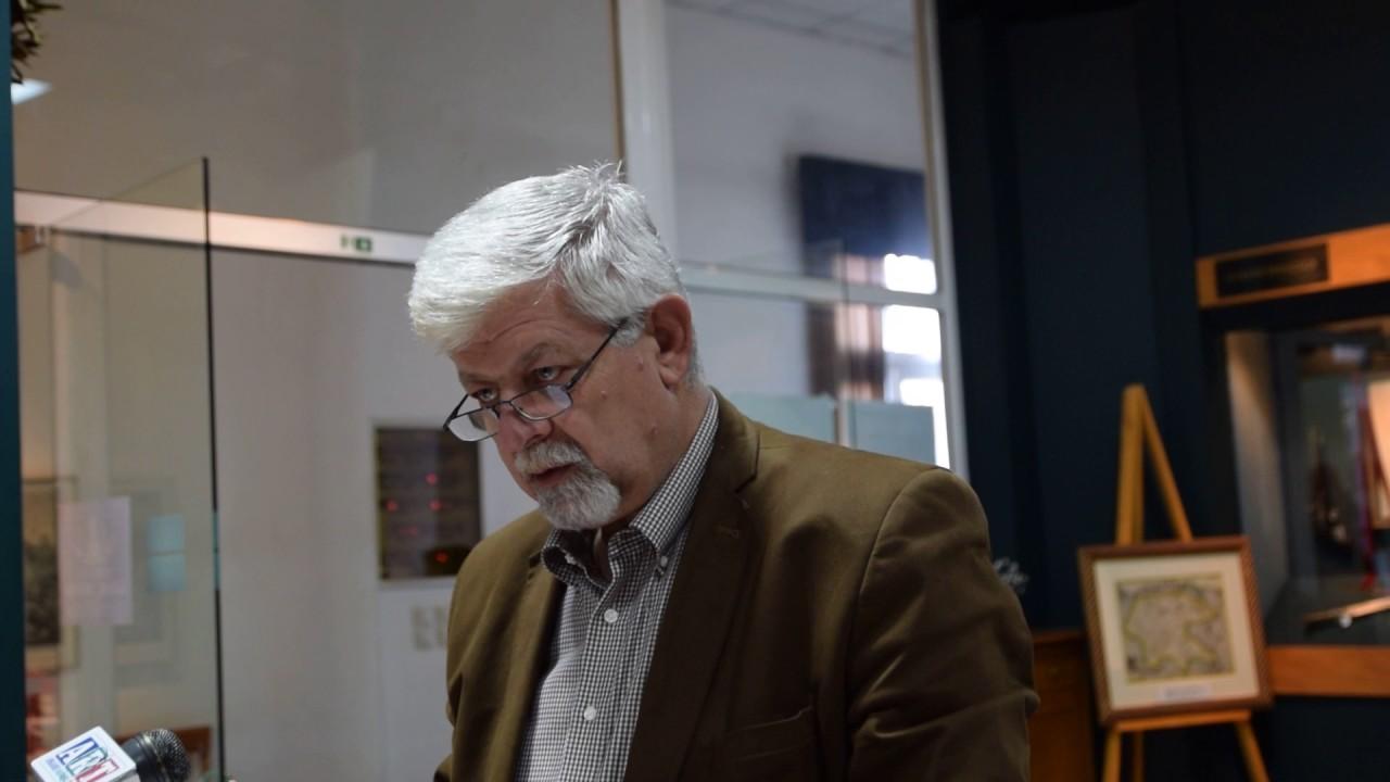 Ο Δήμαρχος Τρίπολης βράβευσε εκπαιδευτικούς που θα κάνουν δωρεάν περιηγήσεις στο Πολεμικό Μουσείο
