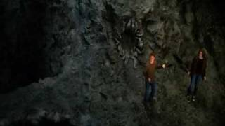 Under the mountain - Trailer