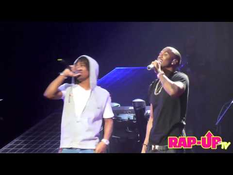 Trey Songz and Lupe Fiasco Perform 'Out of My Head' in L.A.