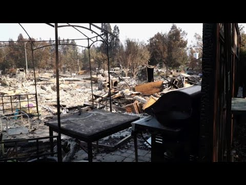 Thousands of California wildfire evacuees return home