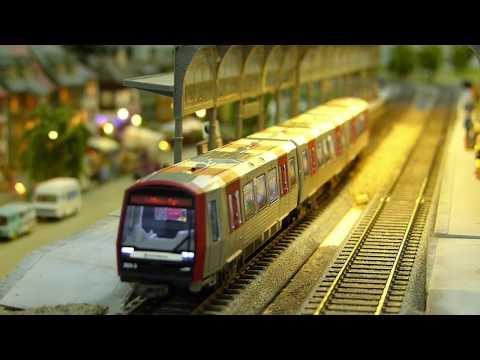Hochbahn DT5 Modell Abfahrt mit Sound(Hamburg U-bahn)★model railway departure★ハンブルク地下鉄鉄道模型発車風景★