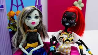 Видео для девочек. Монстер Хай игры с Машей и Элис