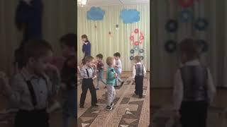 """""""Котята-поварята"""" - танец мальчиков из младшей группы."""