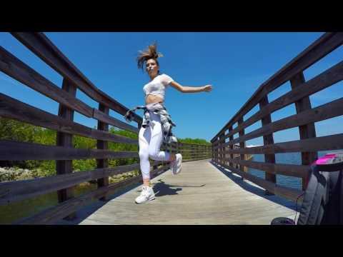 Dancing to EDCLV 2017
