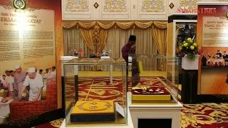 Sultan Muhammad V launches Raja Kita exhibition