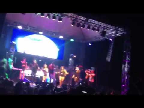 Pa Romper la Discoteca - Farruko y Yomo @LaCovacha (LIVE)